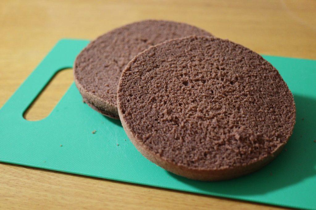 スポンジケーキ キレイに切る 米粉 ココア