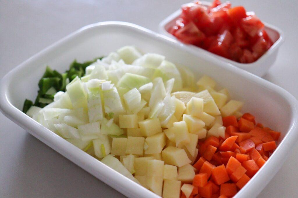野菜たっぷり トマトスープ