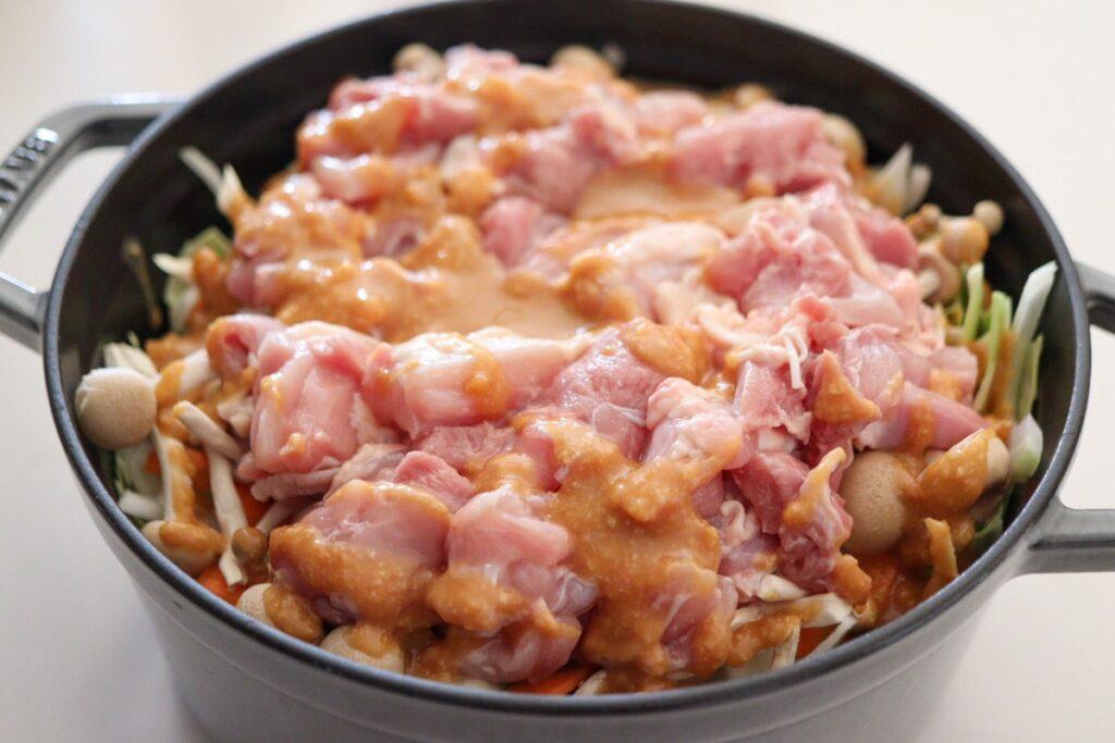 鶏肉 重ね煮 キャベツ ストウブ レシピ サイズ