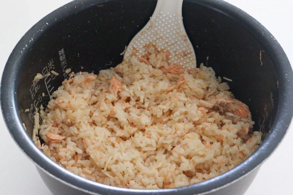 炊き込みご飯 2合 調味料 鮭 バターなし